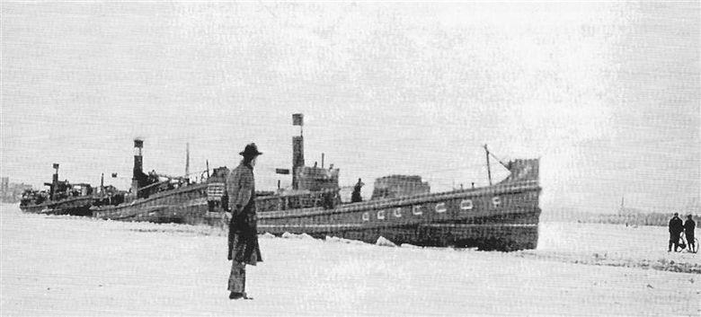 konvooi van de dagelijkse dienst op Amsterdam in de winter van 1929